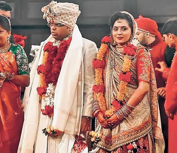 Bjp President Amit Shah S Son Jay Tied The Knot With