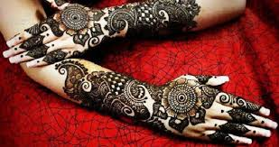 Stunning Bridal Mehandi Designs We Spotted in 2018